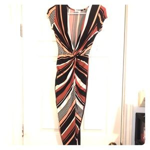 Fitted maxi open dress